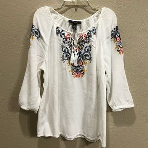 🔴5 for $15🔴Style & Co embroidered blouse LP